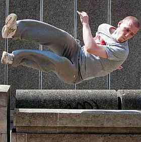 Parkour - die Kunst des schnellen Bewegens. Foto: Flickr by JB London